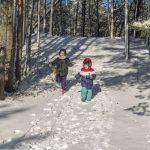 Schneeschuhwandern mit Kindern – So klappt der Familienausflug